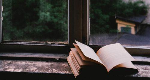 Есть, читать, отдыхать: 5 книг, которые нужно прочитать летом