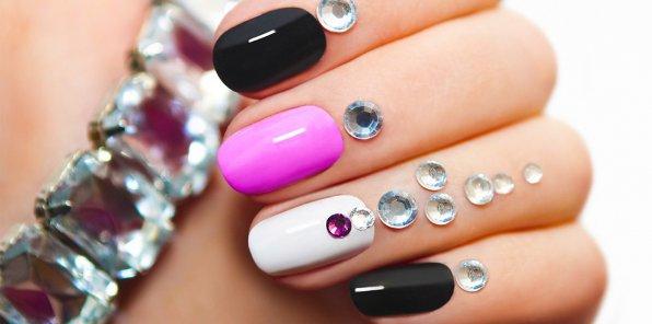 -57% на услуги для ногтей в салоне «Виктория»